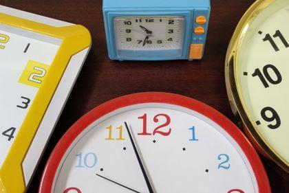 Contester en temps et en heure…
